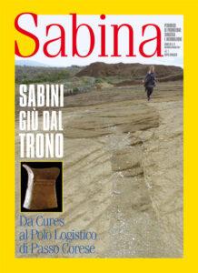 Cures: la giornalista Maria Grazia Di Mario cammmina nell'area del Polo della Logistica di Passo Corese, è evidente l'esistenza di una tomba.