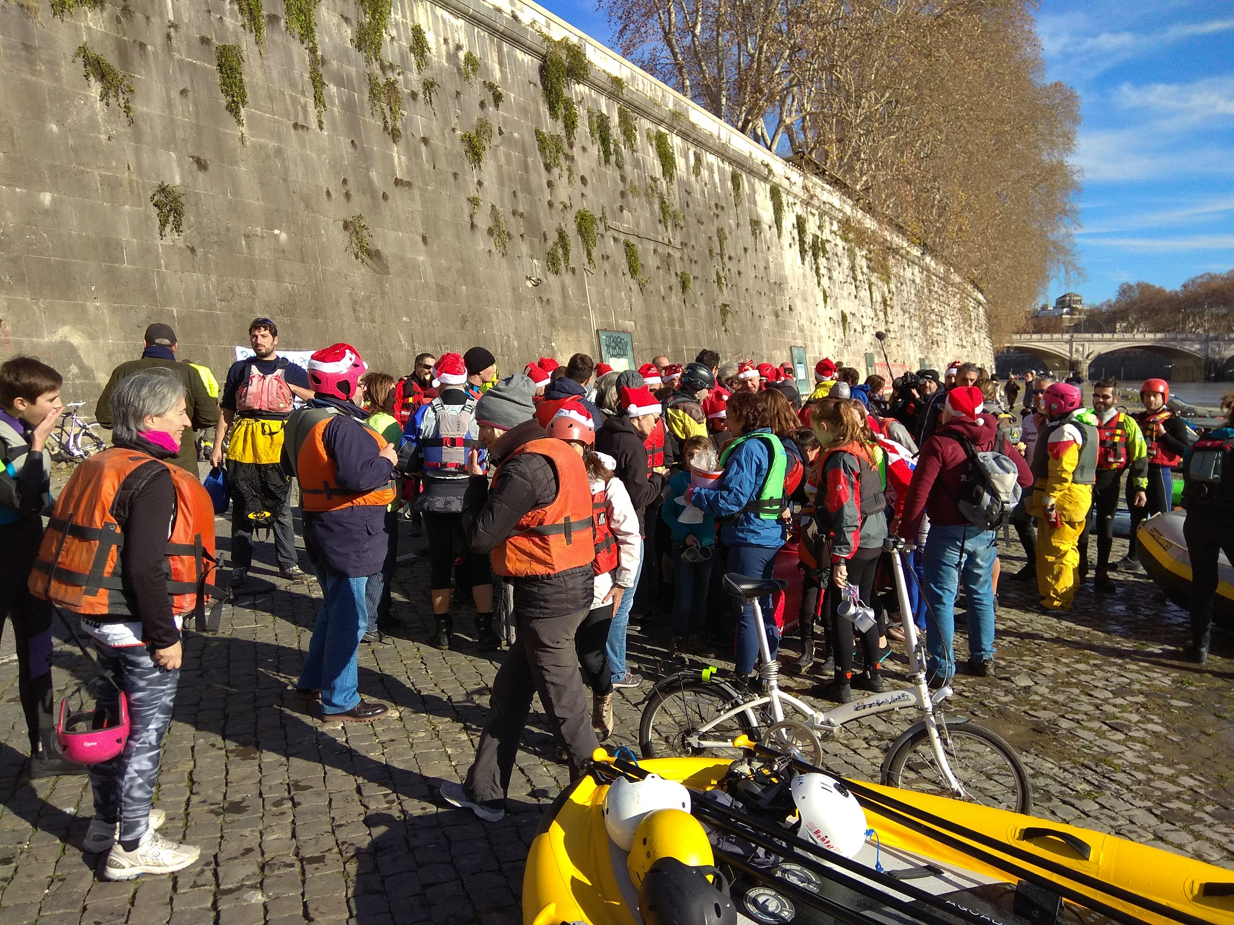Il 15 dicembre annuale Discesa del Tevere di Natale unita al plogging